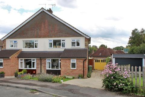 3 bedroom semi-detached house for sale - Wheatfield Way, Cranbrook, Kent, TN17 3LS