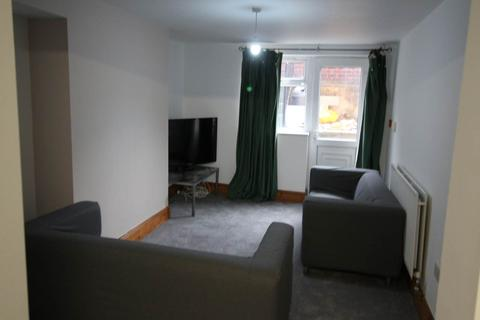 1 bedroom house share to rent - Kirkstall Lane, ,