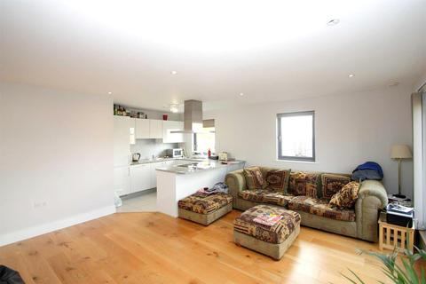 2 bedroom apartment to rent - Twickenham