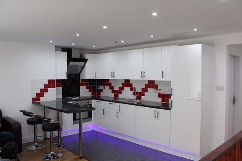 2 bedroom flat share to rent - 2 bedroom flat on Mauldeth Road