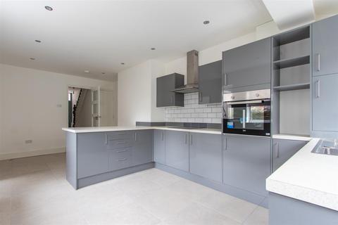 5 bedroom end of terrace house for sale - Lochaber Street, Roath, Cardiff