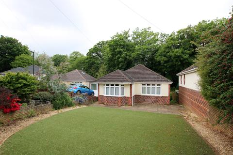 2 bedroom bungalow for sale - Bitterne, Southampton