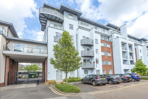 3 bedroom apartment - Stanton House,  Aylesbury,  HP21