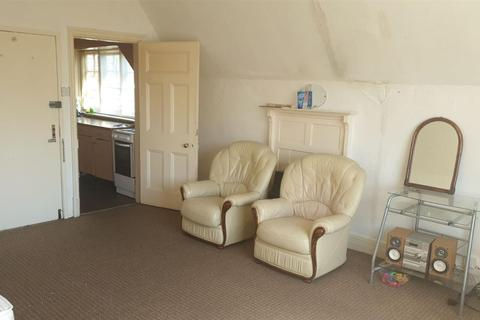 2 bedroom apartment to rent - Stoneygate Avenue, Leicester