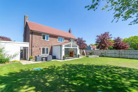 4 bedroom detached house for sale - 39 Stephenson Close, West Raynham
