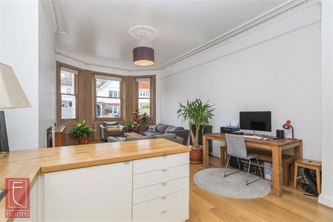 3 bedroom apartment for sale - Holland Road, Hove, East Sussex
