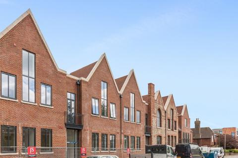 3 bedroom flat for sale - Caxton House, Ham Road, Shoreham-by-Sea, West Sussex BN43 6PA