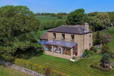 4 bedroom detached house for sale - Houses Hill, Huddersfield