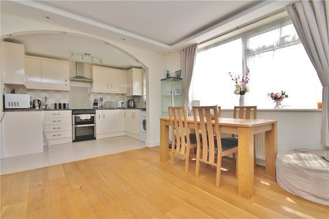 2 bedroom apartment for sale - Amanda Court, Edward Way, Ashford, Surrey, TW15