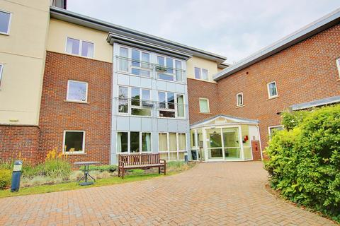 1 bedroom retirement property for sale - GROUND FLOOR! 75% OWNERSHIP! BRILLIANT FACILITIES!