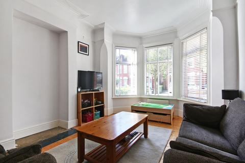 4 bedroom end of terrace house to rent - Ellesmere Road, London, NW10