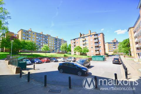 3 bedroom flat for sale -  Maskell Close, High Trees, London, SW2