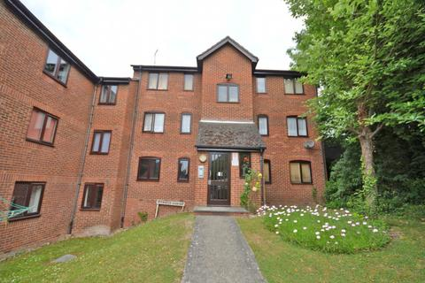 1 bedroom apartment to rent - Kyrkly Court, Linnet Way, Purfleet, RM19