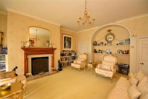 7 bedroom link detached house for sale - High Road, Chigwell, Essex