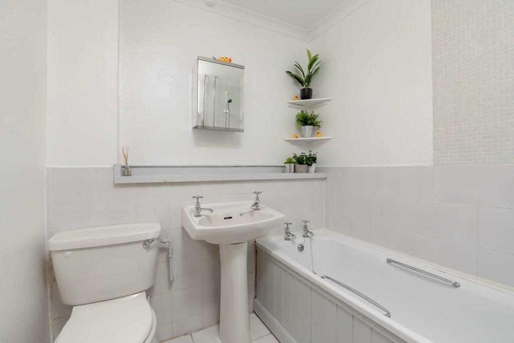 124 77 Lothian Road Tollcross Eh3 9dd 1 Bed Flat 163 199 999
