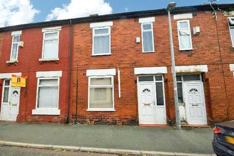 3 bedroom terraced house to rent - Station Road, Eccles, M30