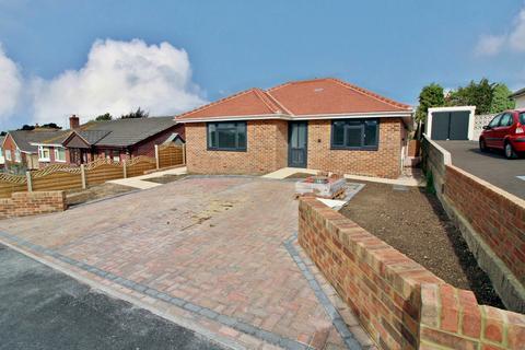 2 bedroom semi-detached bungalow for sale - Haymoor Road, Oakdale, Poole BH15
