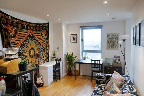 Studio to rent - Bonaire, Gotts Road, Leeds, West Yorkshire, LS12 1DL