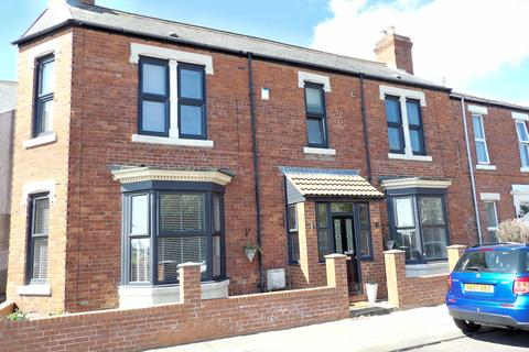 3 bedroom terraced house for sale - Hartington Terrace, Westoe, South Shields, Tyne and Wear, NE33 4DF