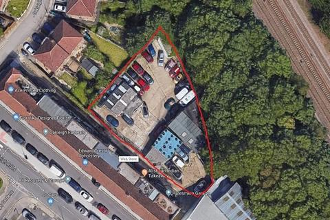 Industrial unit for sale - Oakleigh Road North, London