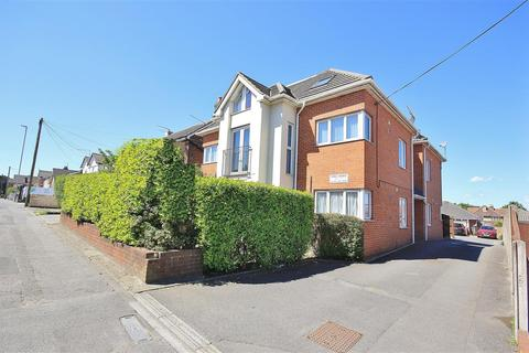 2 bedroom apartment for sale - Sea View Road, Parkstone, Poole