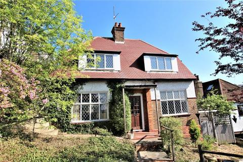 3 bedroom detached house for sale - Hollingbury Crescent, Brighton