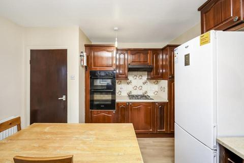 4 bedroom terraced house to rent - Hillbrook Road, London SW17