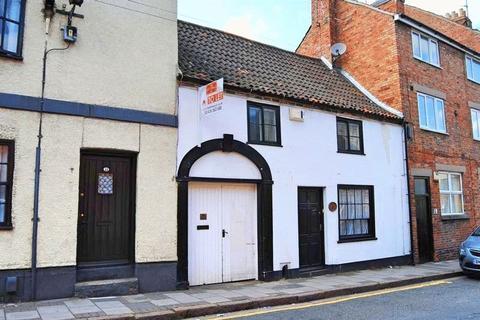 Showroom to rent - Castlegate, Grantham