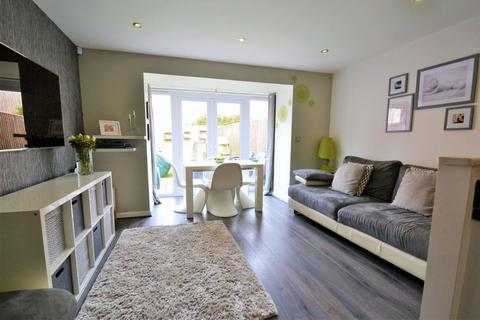 4 bedroom terraced house for sale - Sillavan Close, Swinton, Manchester