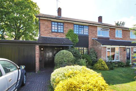 3 bedroom semi-detached house for sale - Wilson Close, Hildenborough