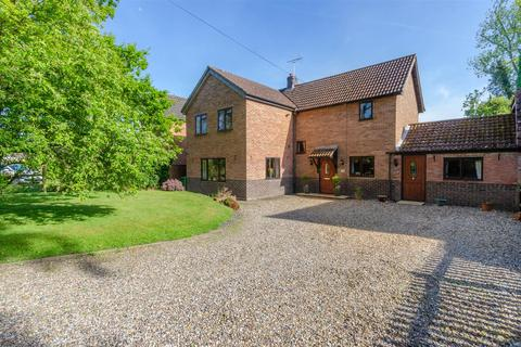 5 bedroom detached house for sale - Thompson, IP24
