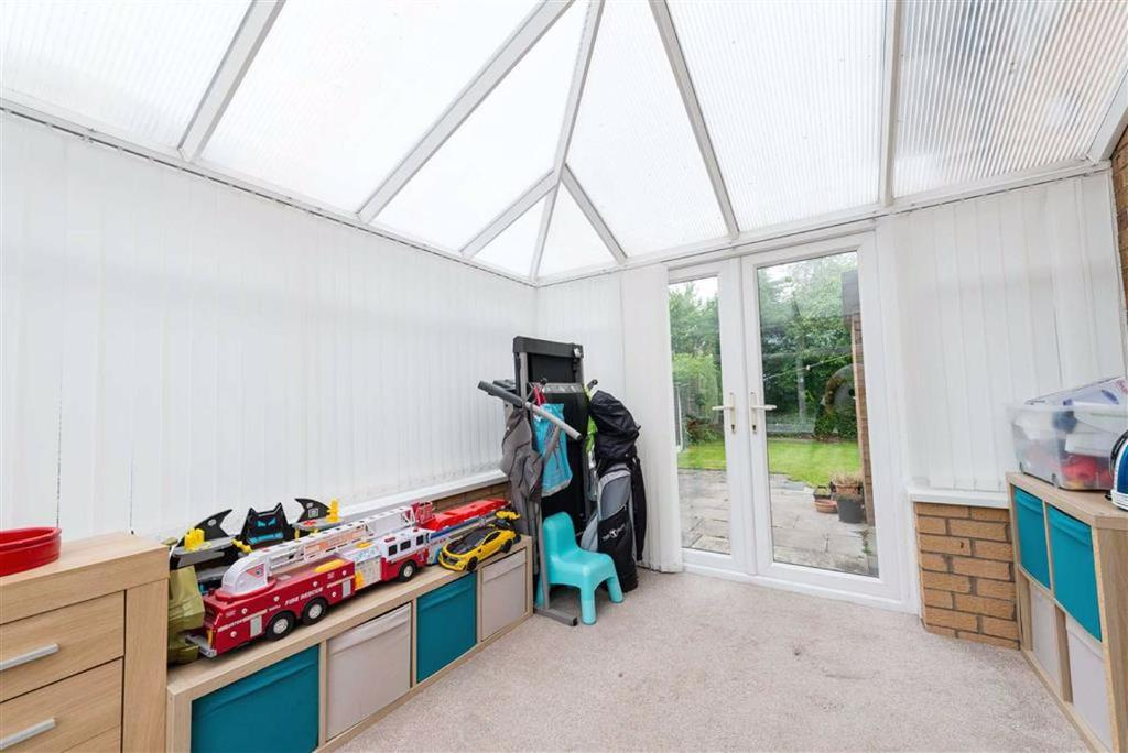 Side conservatory