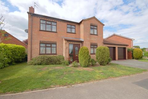 4 bedroom detached house for sale - Whirlow Road, Wistaston