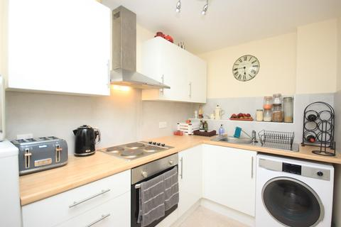 2 bedroom apartment to rent - High Street, Flitwick, MK45