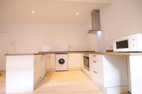 4 bedroom mews to rent - Tanners Court, Low Friars