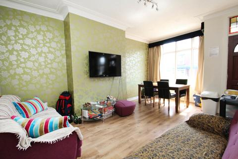 4 bedroom terraced house to rent - Talbot Terrace, Burley