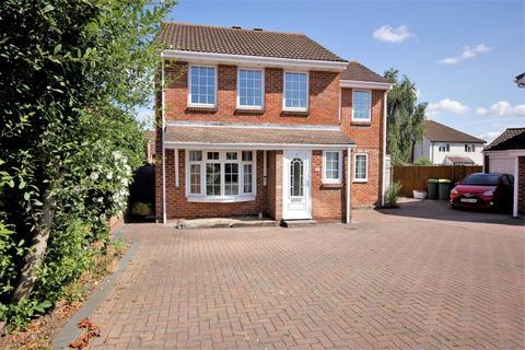 4 bedroom detached house for sale - Forties Close, Stubbington