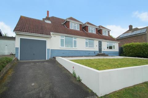 3 bedroom chalet for sale - Ring Road, Lancing BN15 0QE