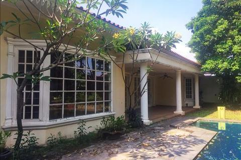 5 bedroom house - Jl. H. Mandor, Cilandak, Jakarta Selatan
