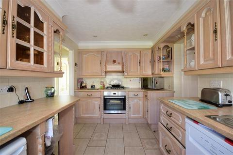 3 bedroom semi-detached house for sale - Maypole Drive, Chigwell Row, Essex