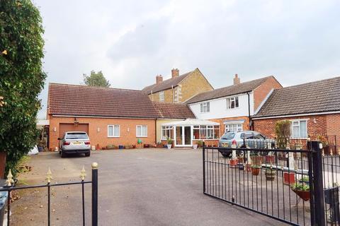 3 bedroom village house for sale - Pond Street, Great Gonerby, Grantham NG31
