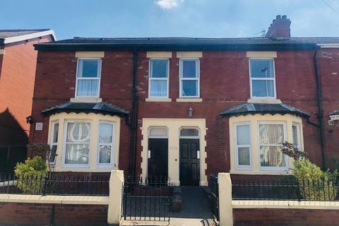 2 bedroom ground floor flat to rent - Burlington Road, BLACKPOOL, FY4 1JR