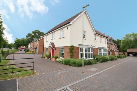 4 bedroom detached house for sale - Barrowfield Close, West End SO30