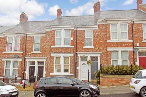 2 bedroom flat for sale - Whitehall Road, Bensham, Gateshead, Tyne and Wear, NE8 4PX