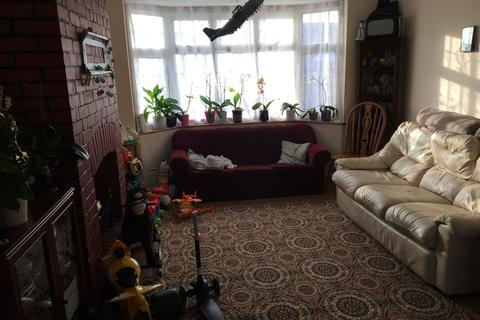 3 bedroom terraced house to rent - Dewey Road, Dagenham, Essex, RM10