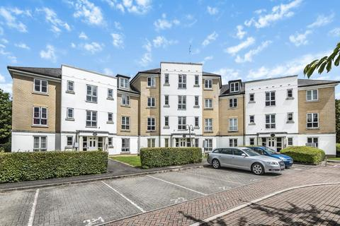 2 bedroom apartment to rent - Tudor Way, Knaphill, GU21