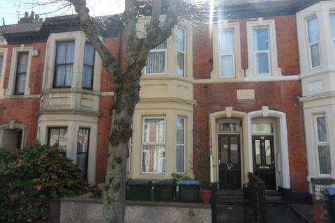 Studio to rent - Middleborough Road, Coundon CV1