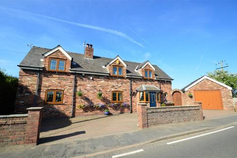 4 bedroom detached house for sale - Little Leigh, Northwich