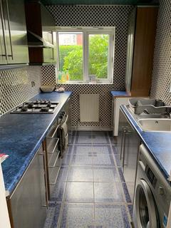 4 bedroom semi-detached house to rent - Pickmere Avenue, MANCHESTER M20