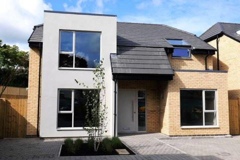 4 bedroom detached house to rent - Horsefair Street, Charlton Kings, Cheltenham, Gloucestershire, GL53